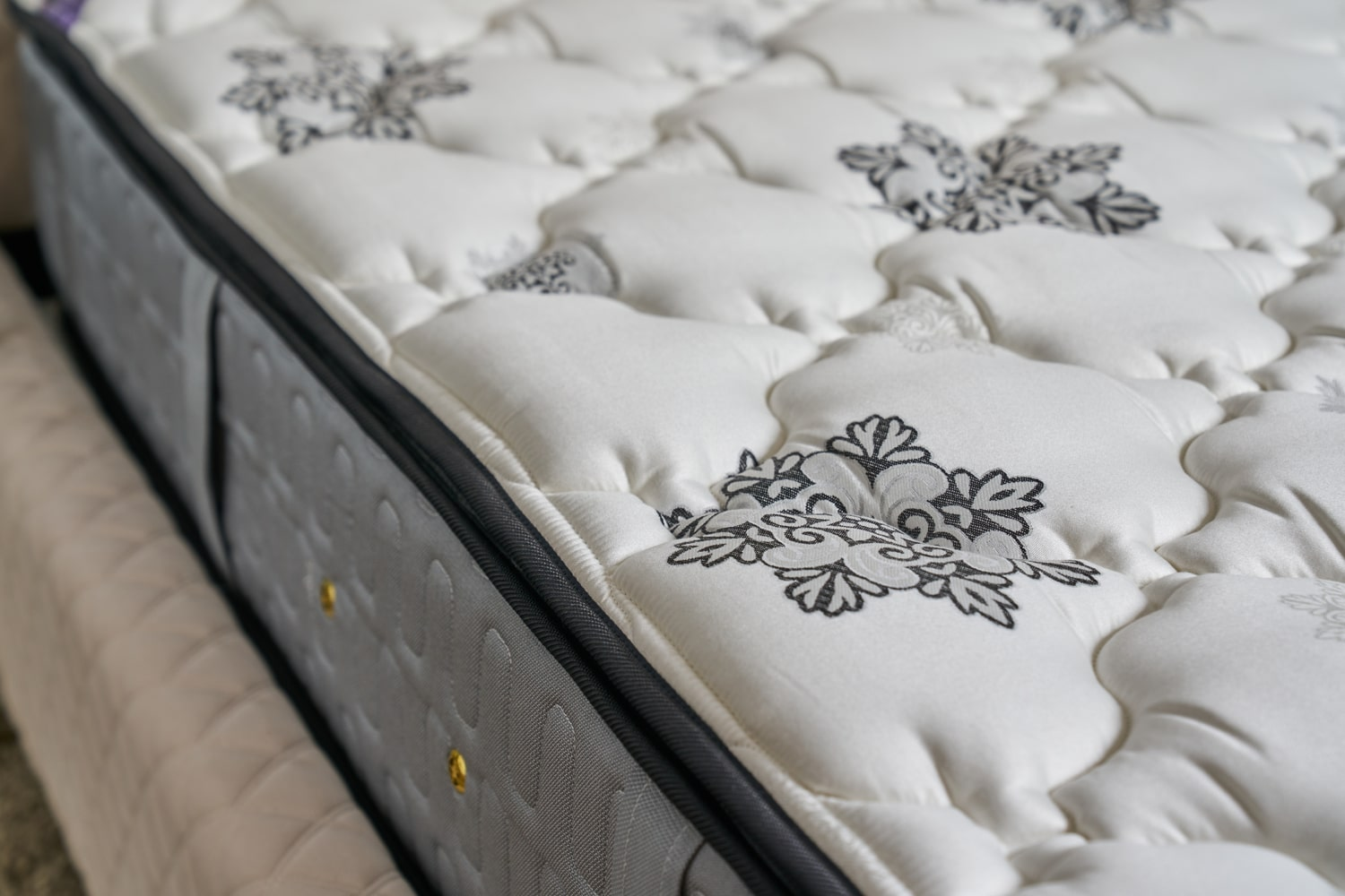 TheBedShop 15040374 KINGKOIL MATTRESS - NEW GRAND MAJESTY P.TOP
